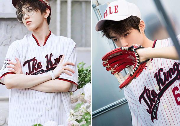 刻意模仿还是默契?蔡旭坤和王俊凯穿着同样的球衣,甚至连搭配细节都很相似